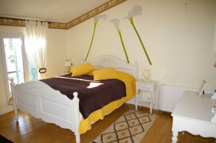 Romantic room in Toulouse